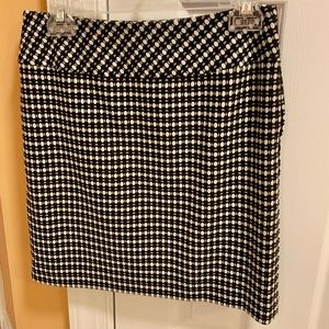 Ann Taylor Loft size 2 dotted lined skirt